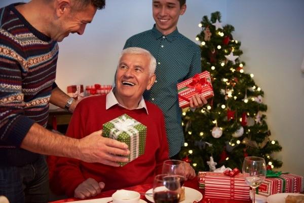 christmas_gift_l1.jpg