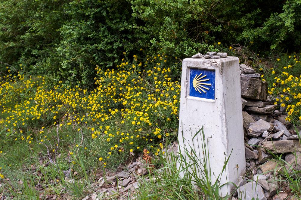 Waymark & prayer cairn near Zubiri