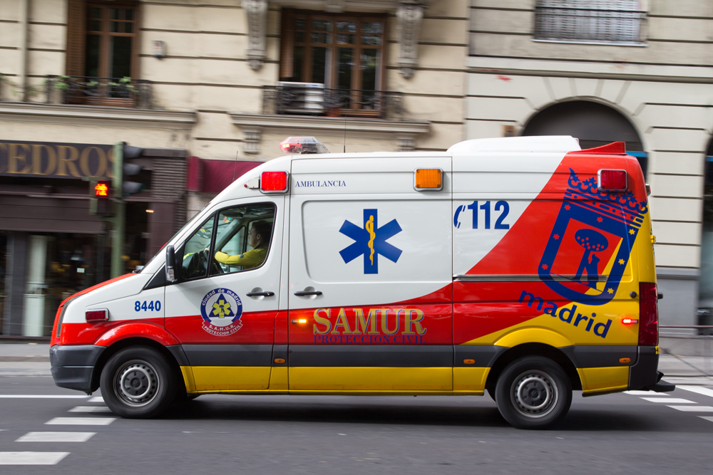 In Spain, only police can use blue emergency lights. Ambulances and fire engines must use amber lights.