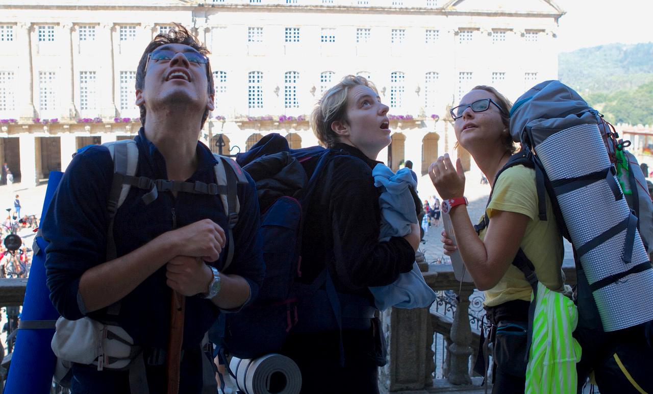 Pilgrims arrive at the  Catedral de Santiago