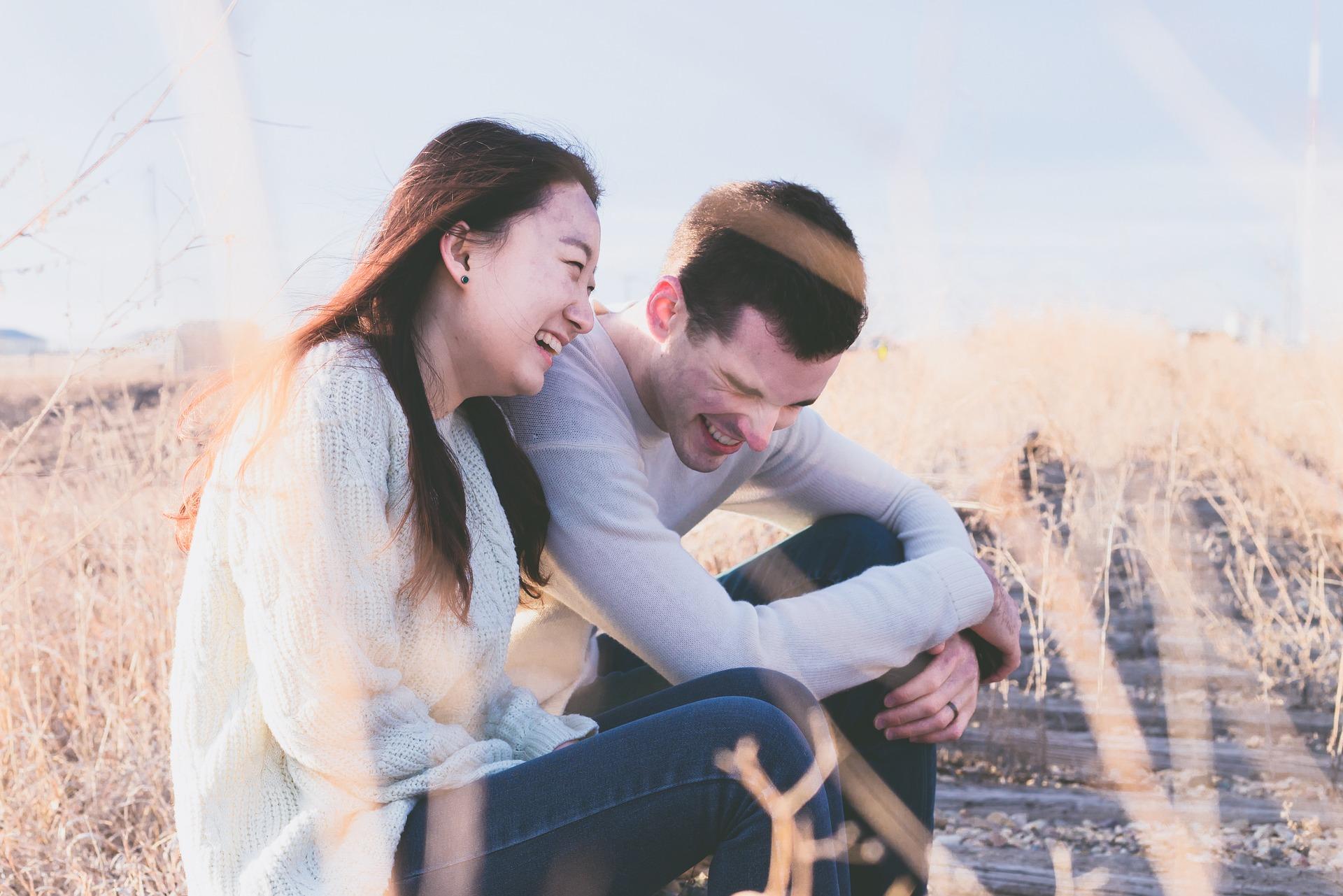 couple-1838940_1920.jpg