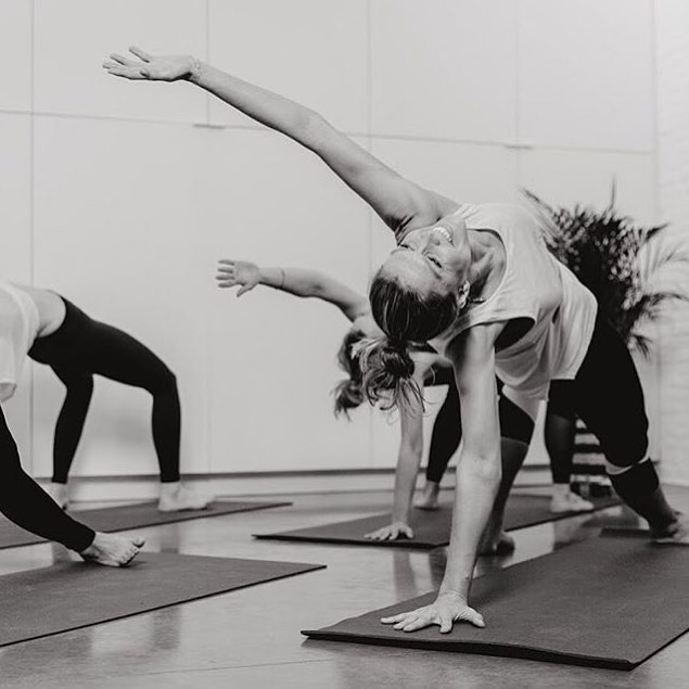 Yoga is a dance of every cell on the music of the breath that creates inner serenity and harmony.  Open your heart and see what happens. See you tonight on the yoga mat @studio.stil 🧘🏼♀️🧘🏽♂️ 19:00 Vinyasa 20:30 Stretch & Relax 💛✨ #letsbreathe #yogastudio #vinyasaflow #yogateacher #openyourheart #harmonywithme #yogacommunity #moveyourbody #enjoytheflow #yogadance #yogamusic
