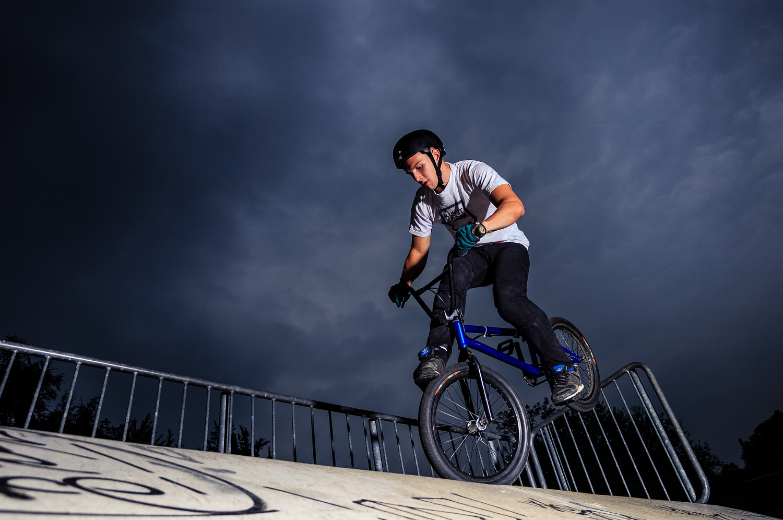 BMX Biker auf dem Parcours