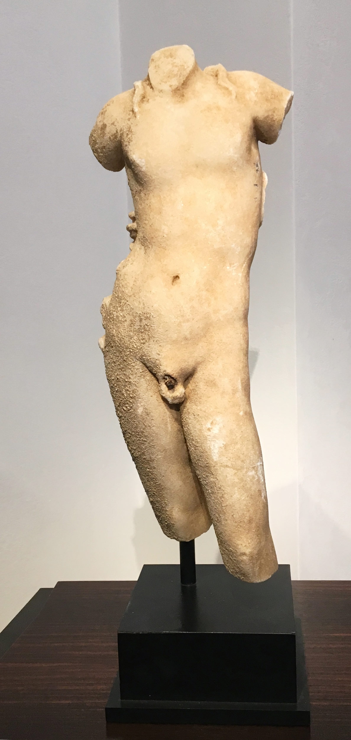 Dionysus'--Roman-1_2-nd-Century--marble-38.jpg