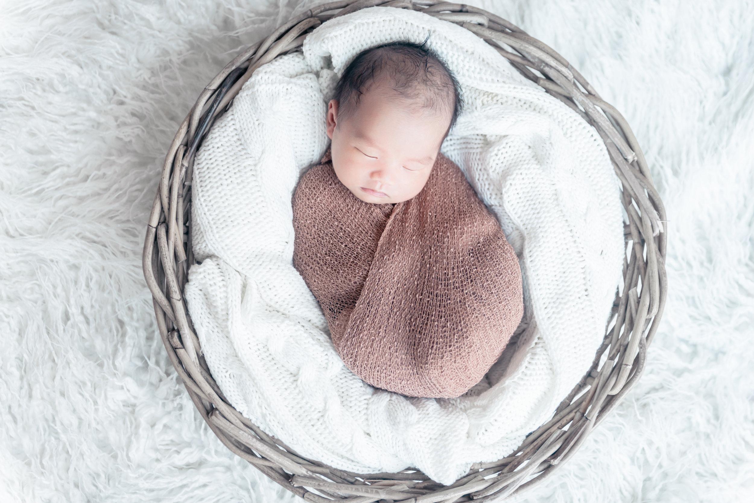 newbornfotograaf woudenberg,amersfoort, utrecht ede, babyfoto's pasgeboren baby