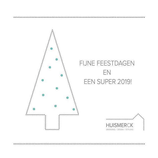 FIJNE DAGEN 🎄✨ |  Oohhh wat is het rustig geweest op m'n social media kanalen 🙈... des te drukker ben ik geweest met supergave projecten. Ik heb dit weekend eindelijk de tijd genomen om m'n website te updaten 😅, waarover ik snel meer zal delen. Maar nu met de beentjes hoog... Heel fijne feestdagen allemaal en alvast een super 2019 💫🥂 • • • #merrychristmas #fijnefeestdagen #xmas #kerst #fijnekerst #kerst #huismerck #projecten #illustrating
