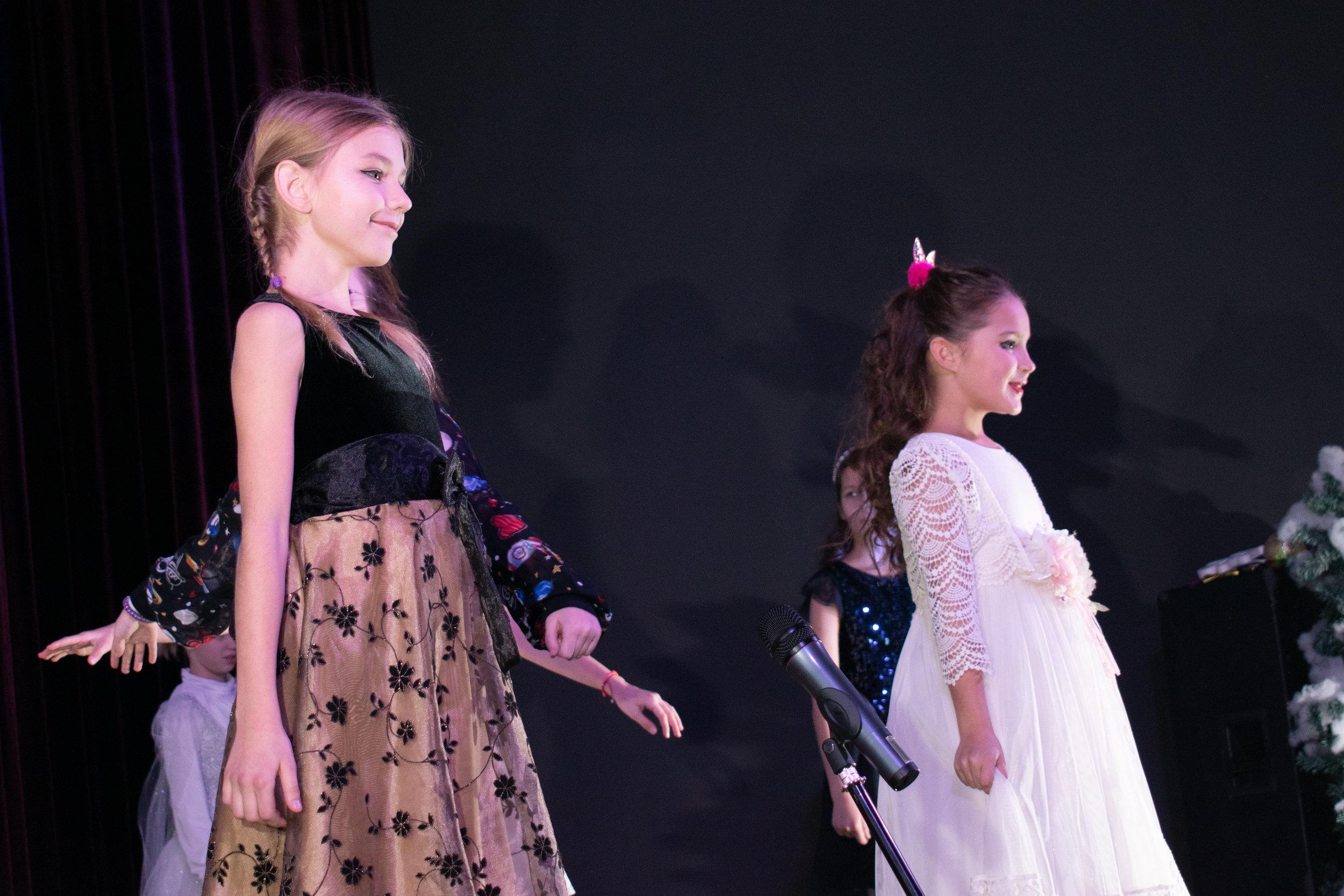 5.Школа Леді_Дівчатка та чарівна куля 2-3 клас.jpg