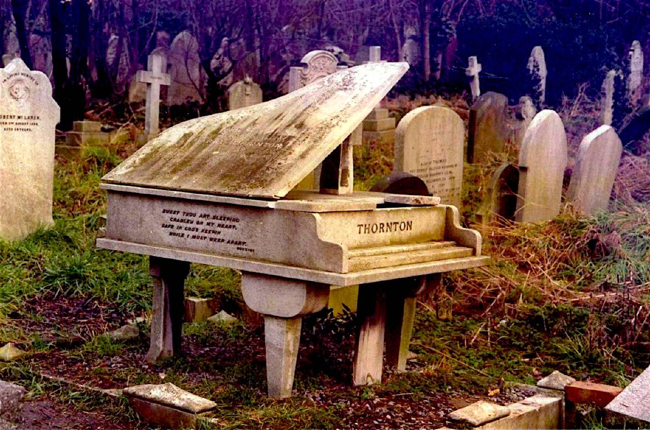 Tombstone of concert pianist Harry Thornton 1883-1918