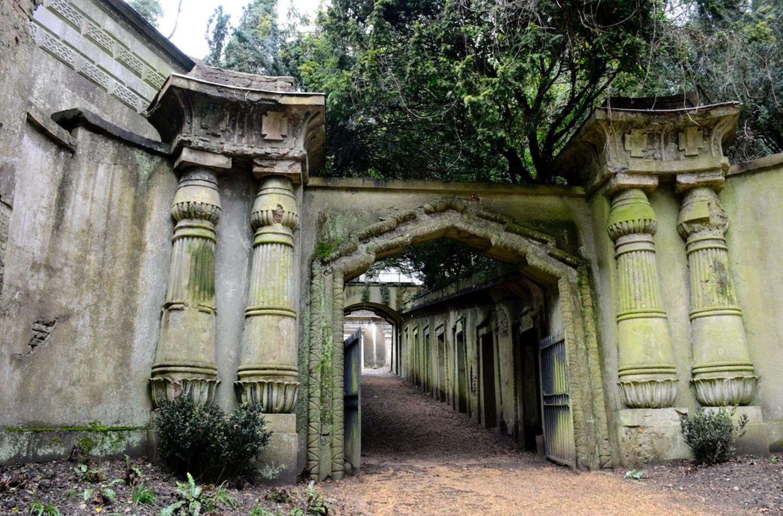 Haunting Highgate Cemetery.
