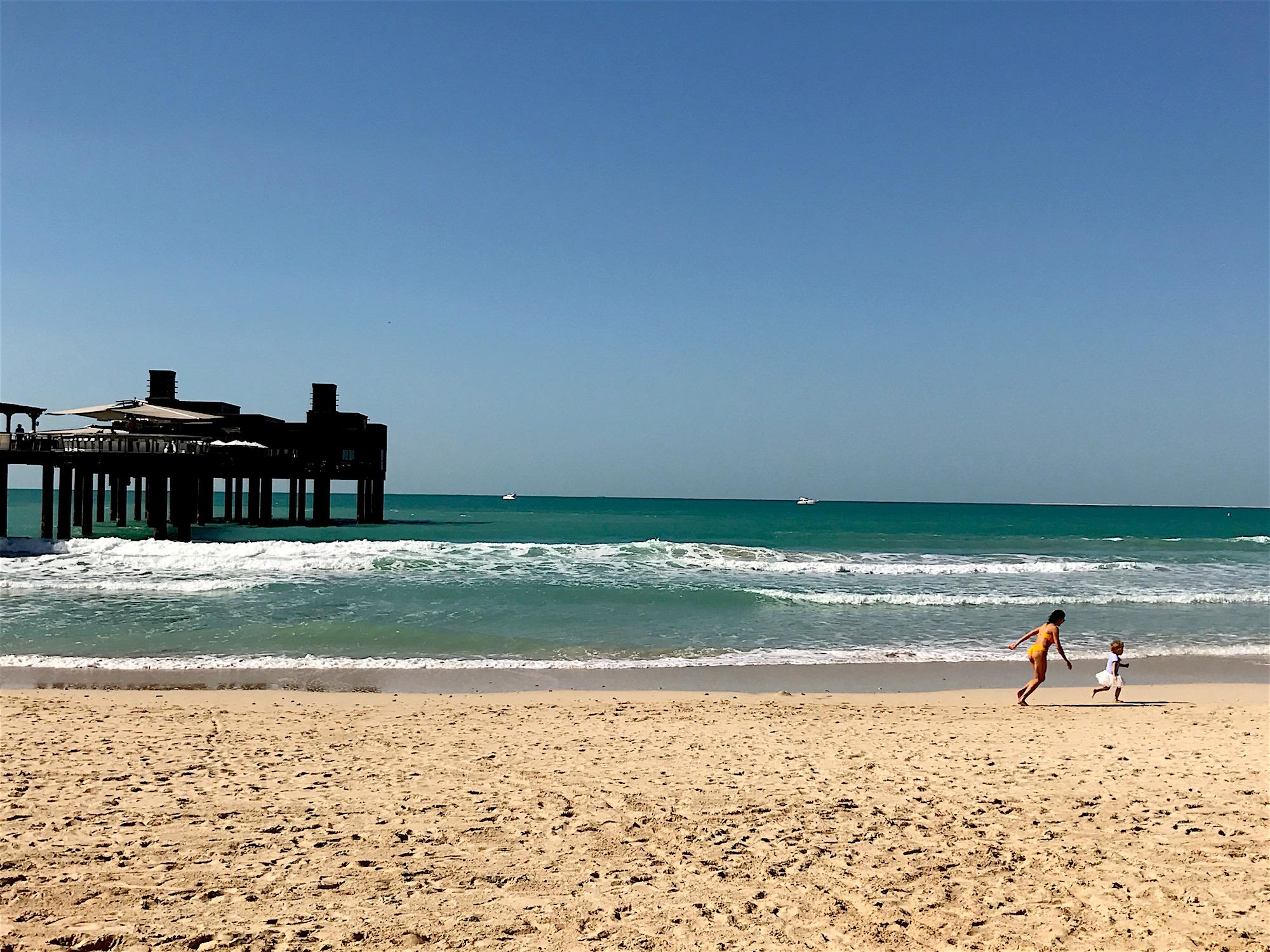 Jumeirah Beach. Mother and Daughter. Dubai
