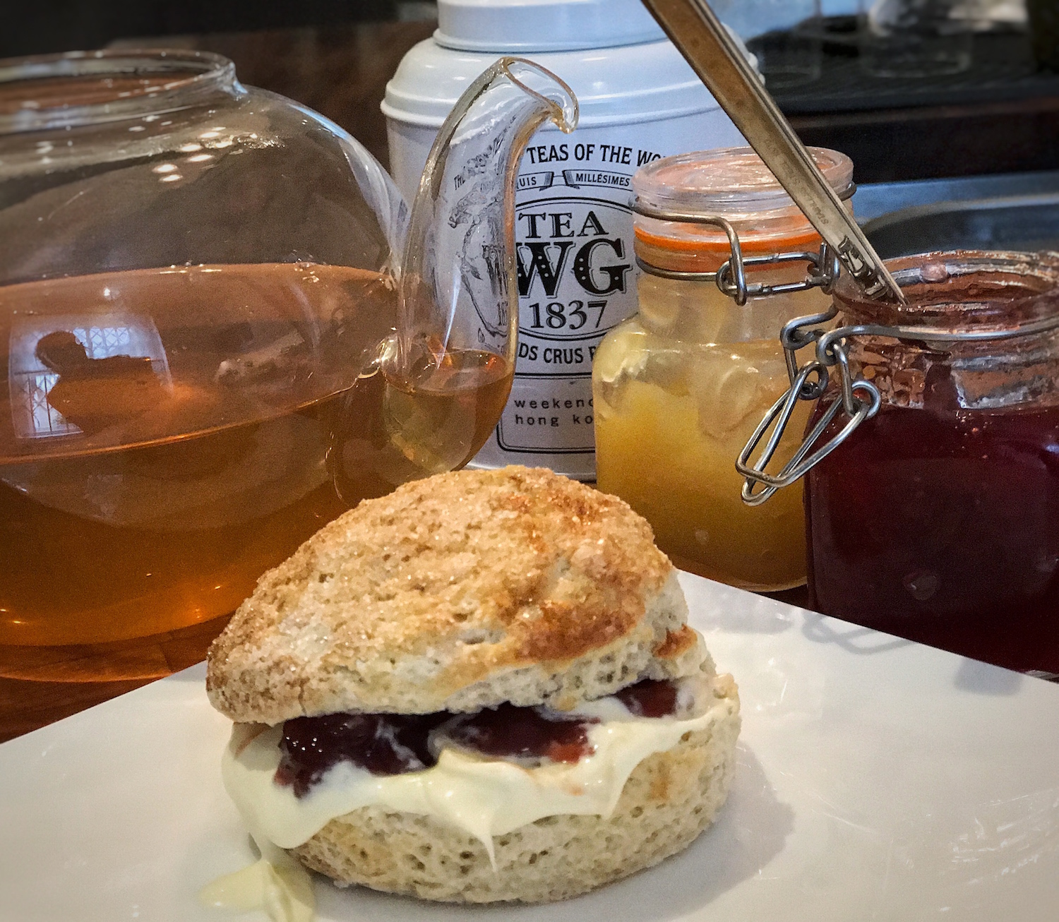A BROAD IN LONDON SCONE AND TEA