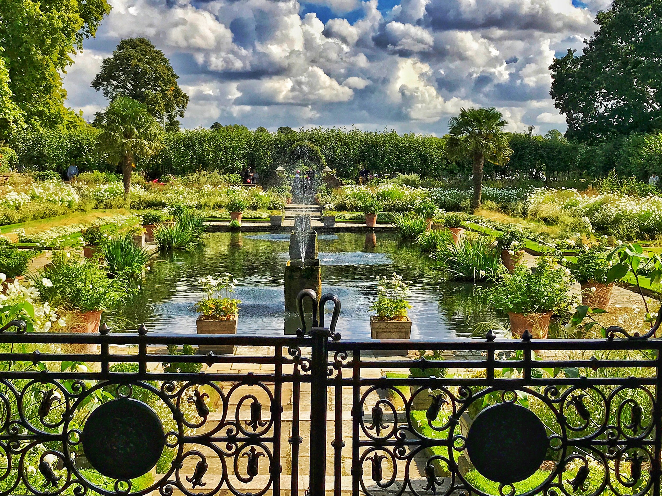 White Garden Kensington Palace  in honour of Princess Diana