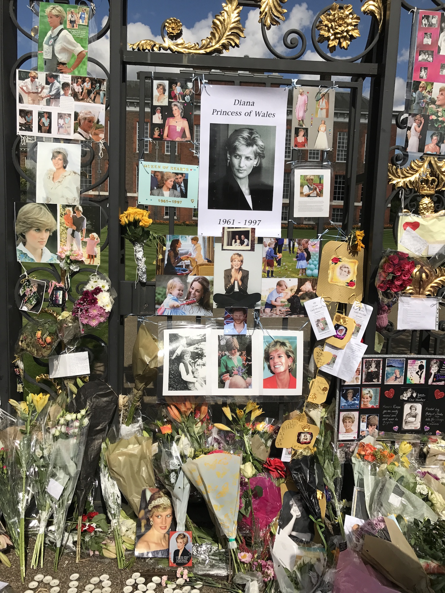 FLOWERS AND PHOTOS PRINCESS DIANA REMEMBERED.JPG