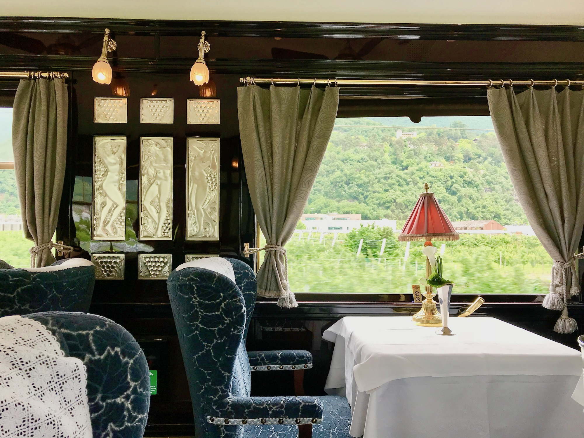The Côte D'Azur Dining car with its stunning Lalique glass panels.