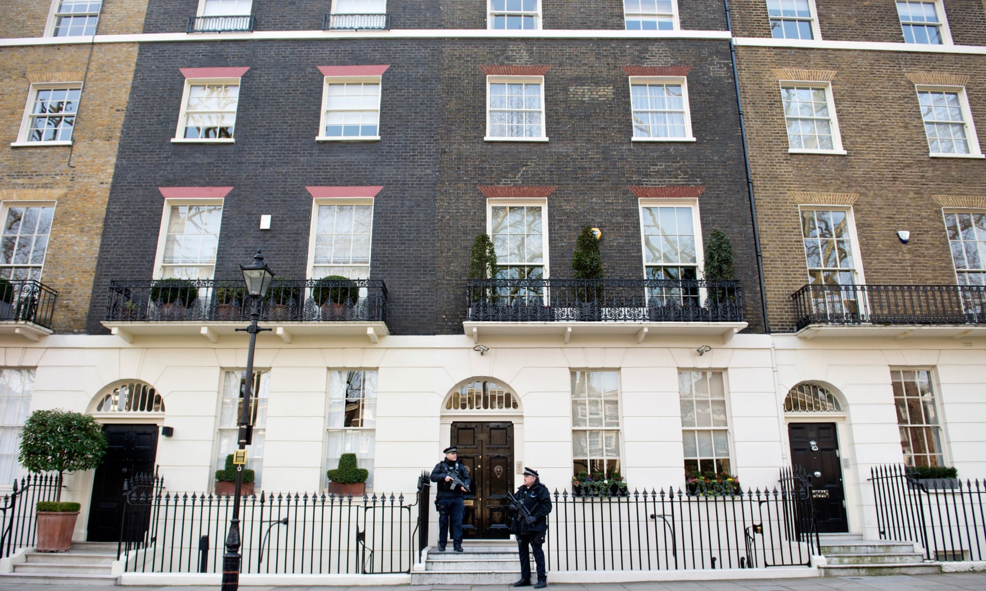 Tony Blairs House on Connaught Square.