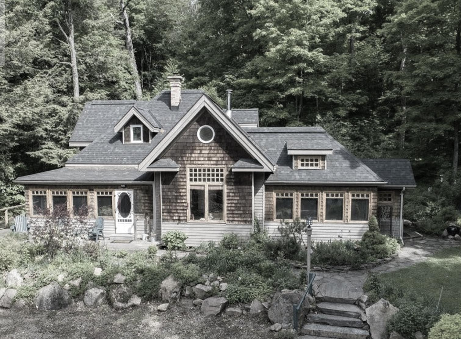 Old+Style+Muskoa+Cottage.jpg