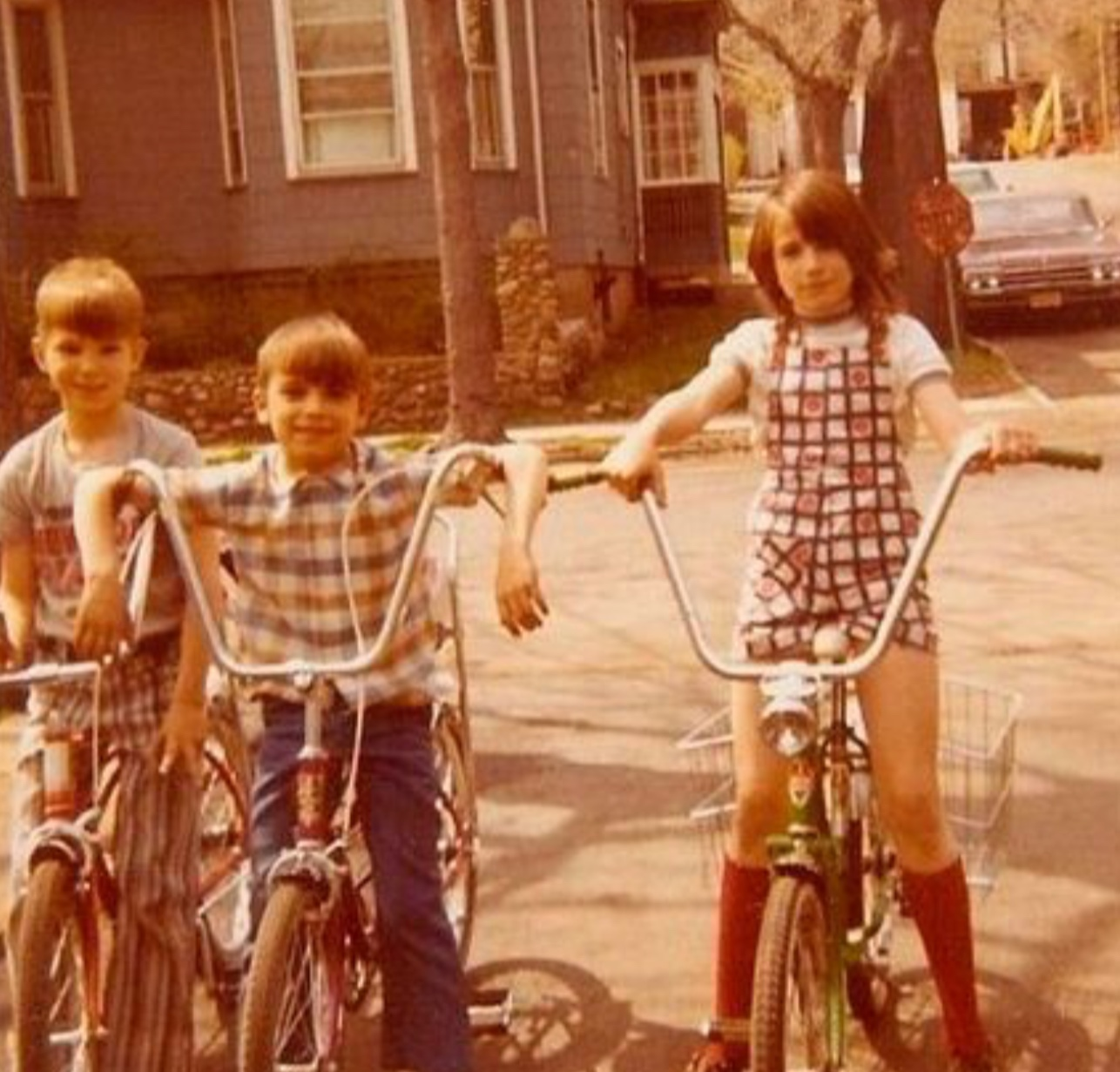 Kids+in+the+1970%27s+riding+bikes