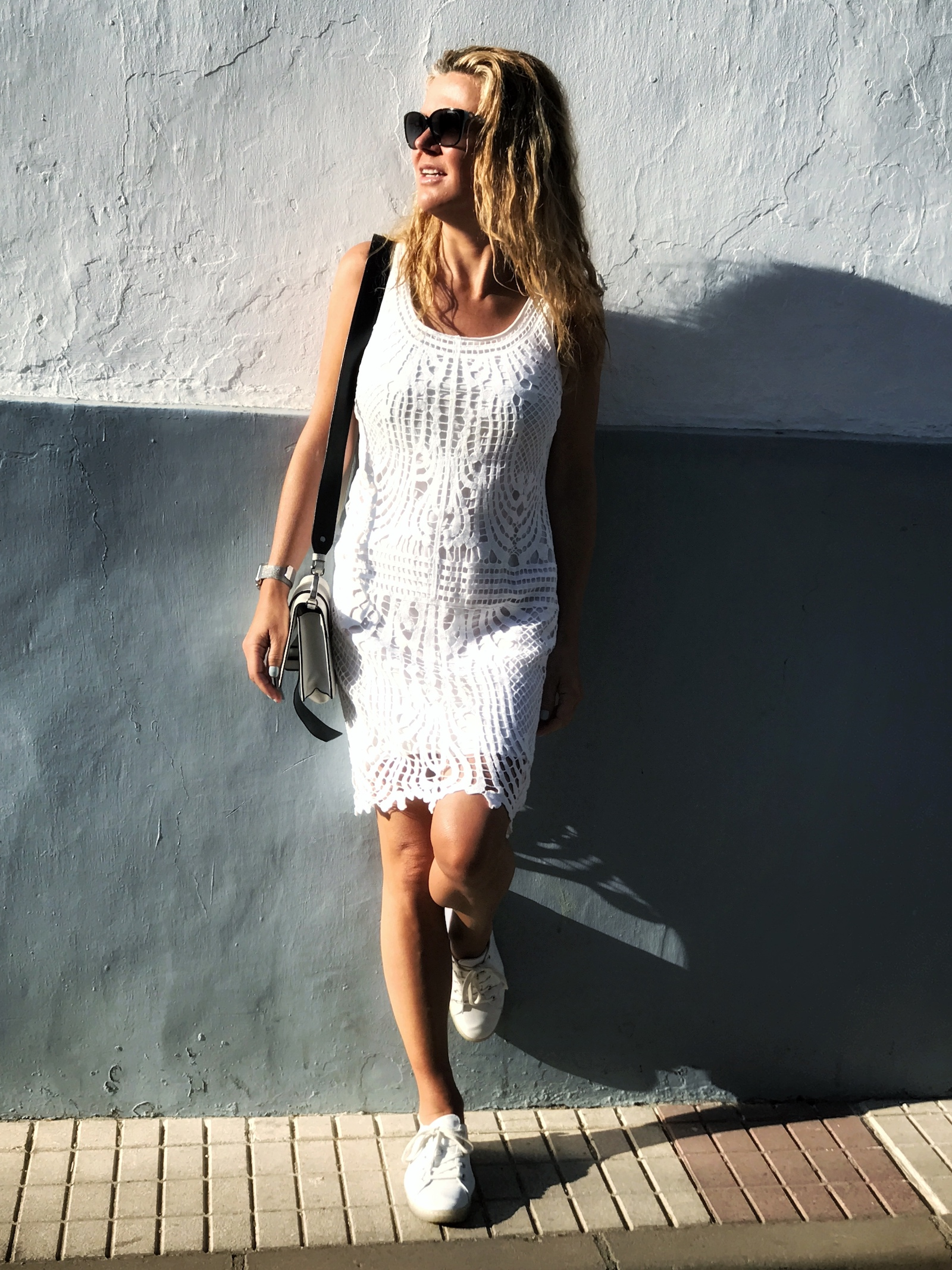 A Broad In London in white trainers, Spain.jpg