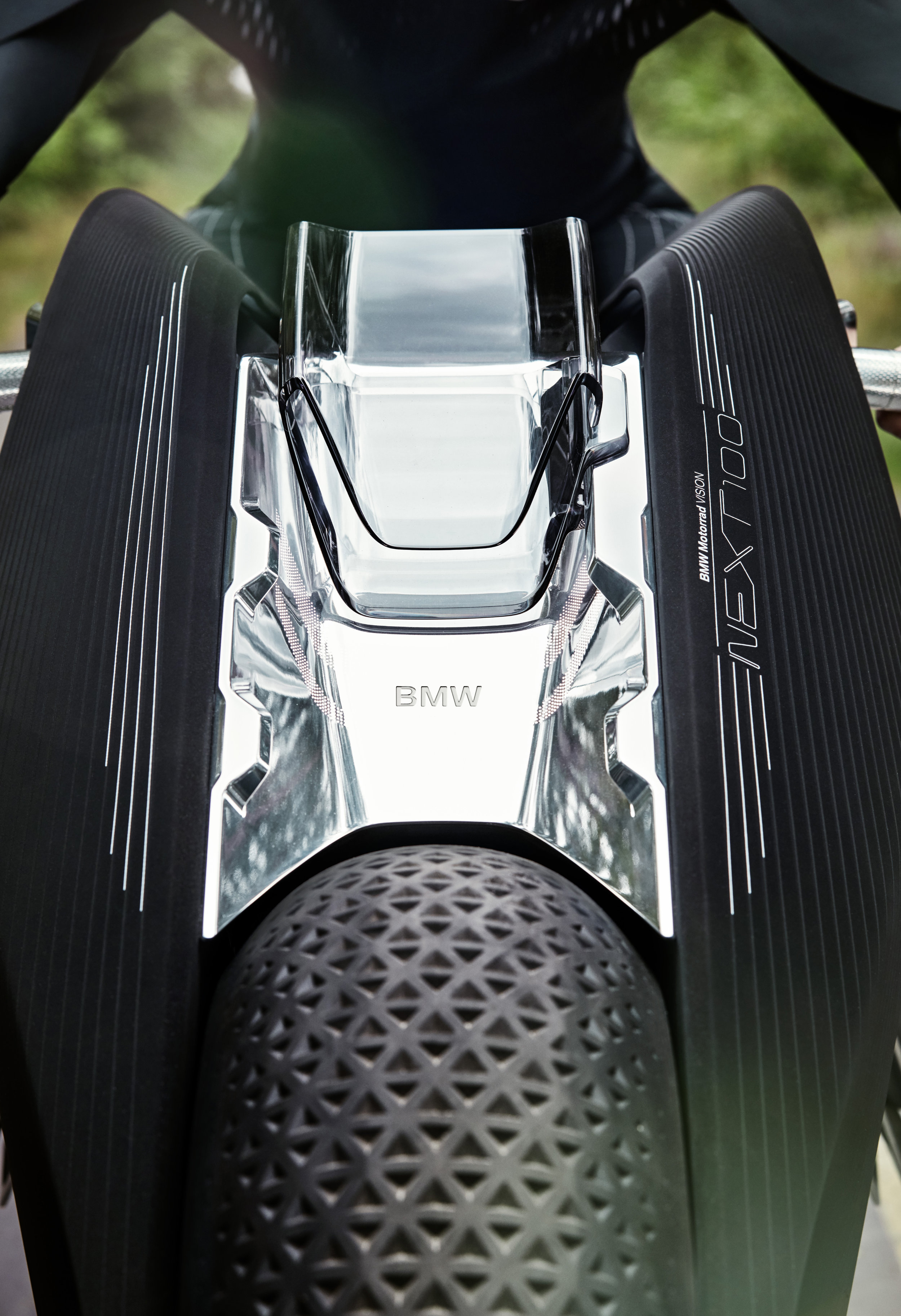 P90238717_highRes_bmw-motorrad-vision-.jpg