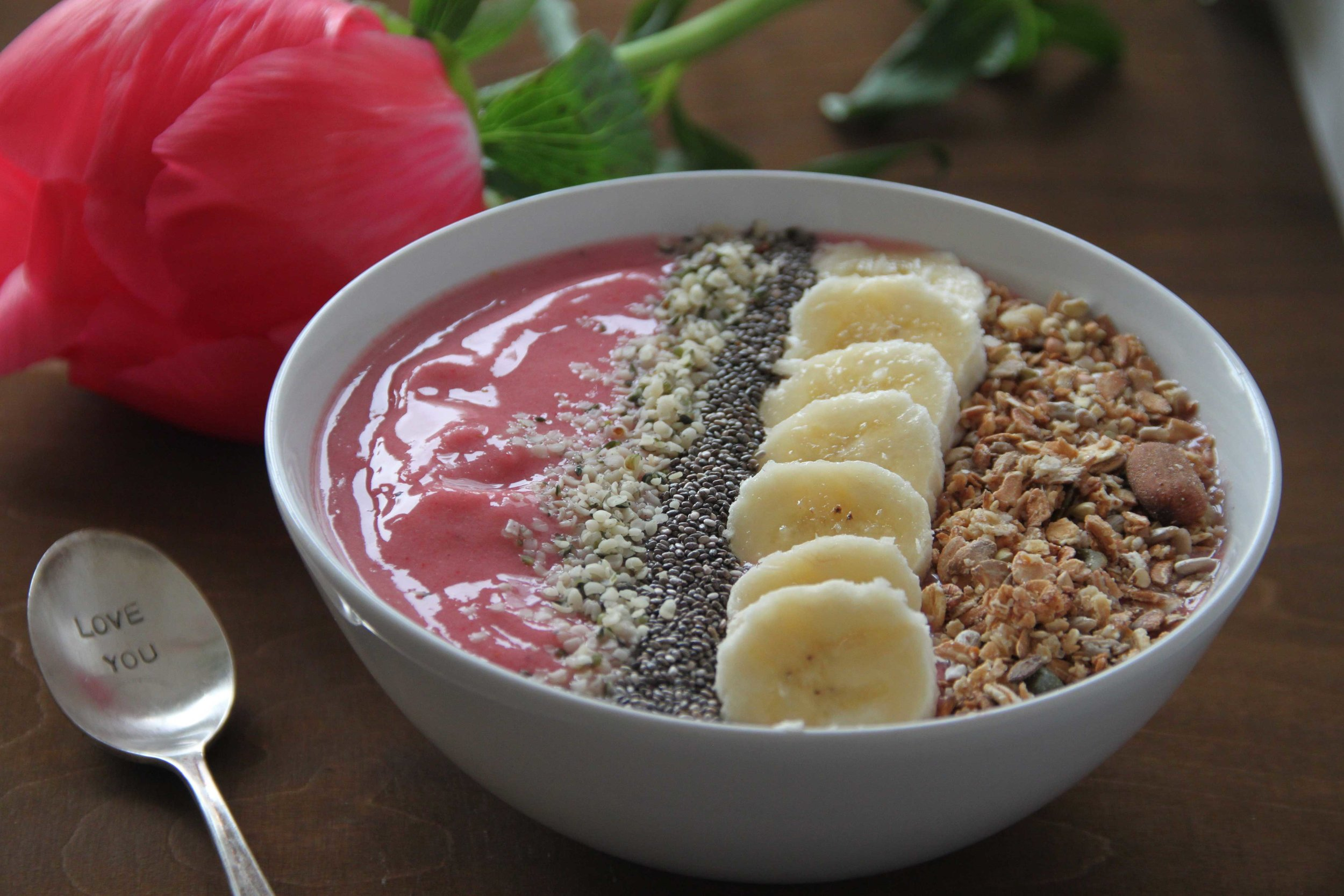 Strawberry Banana Smoothie Bowl