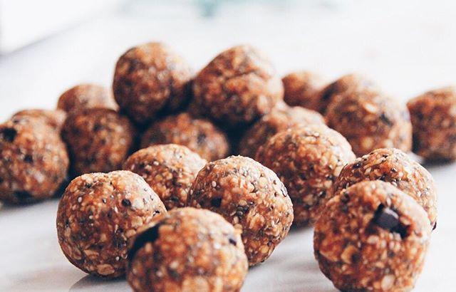 🌿Pumpkin Peanut Butter Bites 🌿 #pumpkin #energybites #vegan #glutenfree #peanutbutter