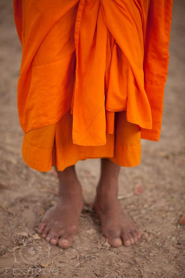 Monks_in_Cambodia_4