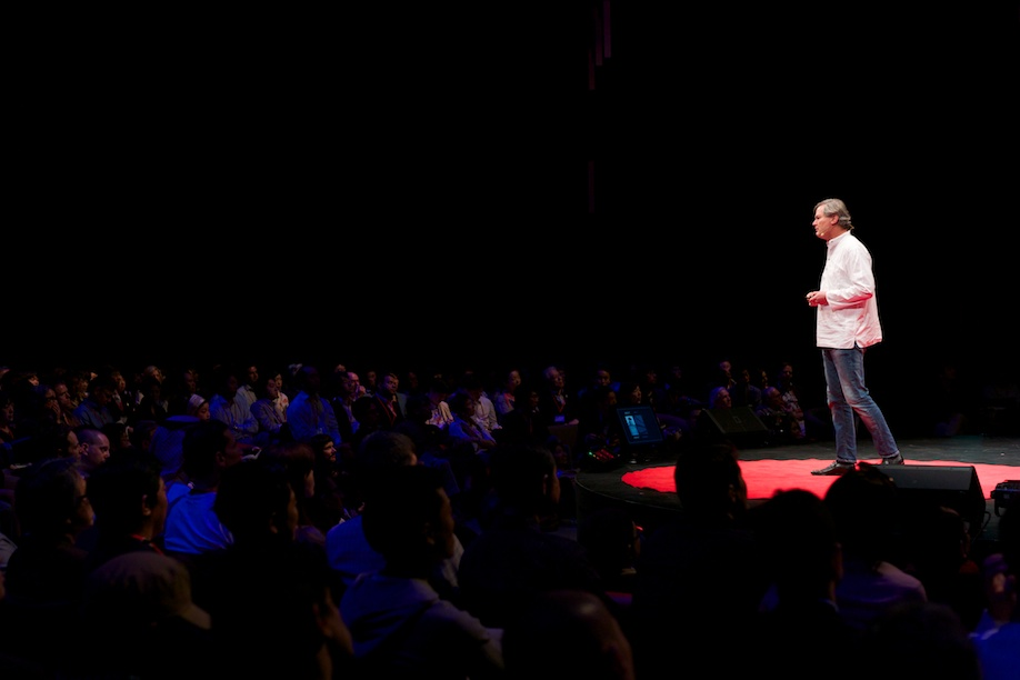 Gunter Pauli speaking at TEDxTokyo 2013