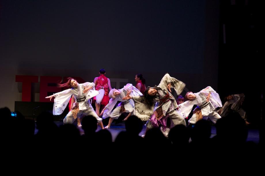 Shizuka Yabuuchi performing at TEDxTokyo 2013
