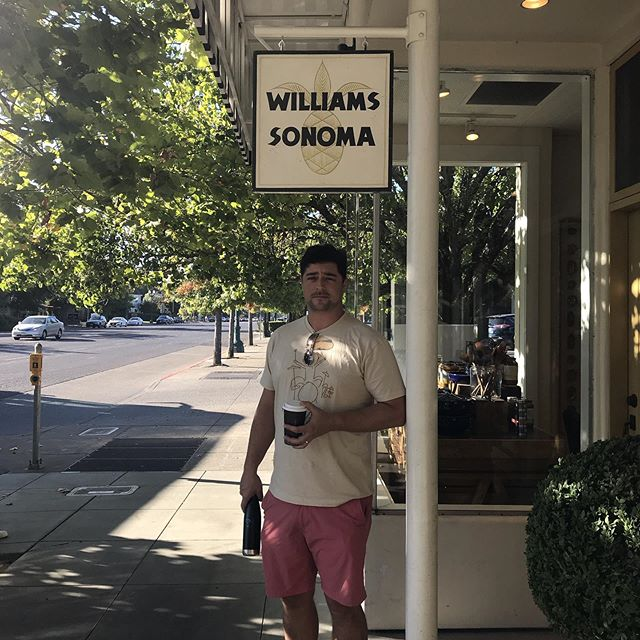 #WilliamsSonoma 😲 #SoMeta #SonomaContrary #RIESLING!?