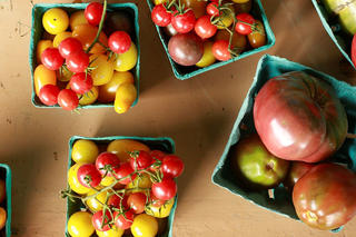 summer-csa-tomatoes-750_large.jpg