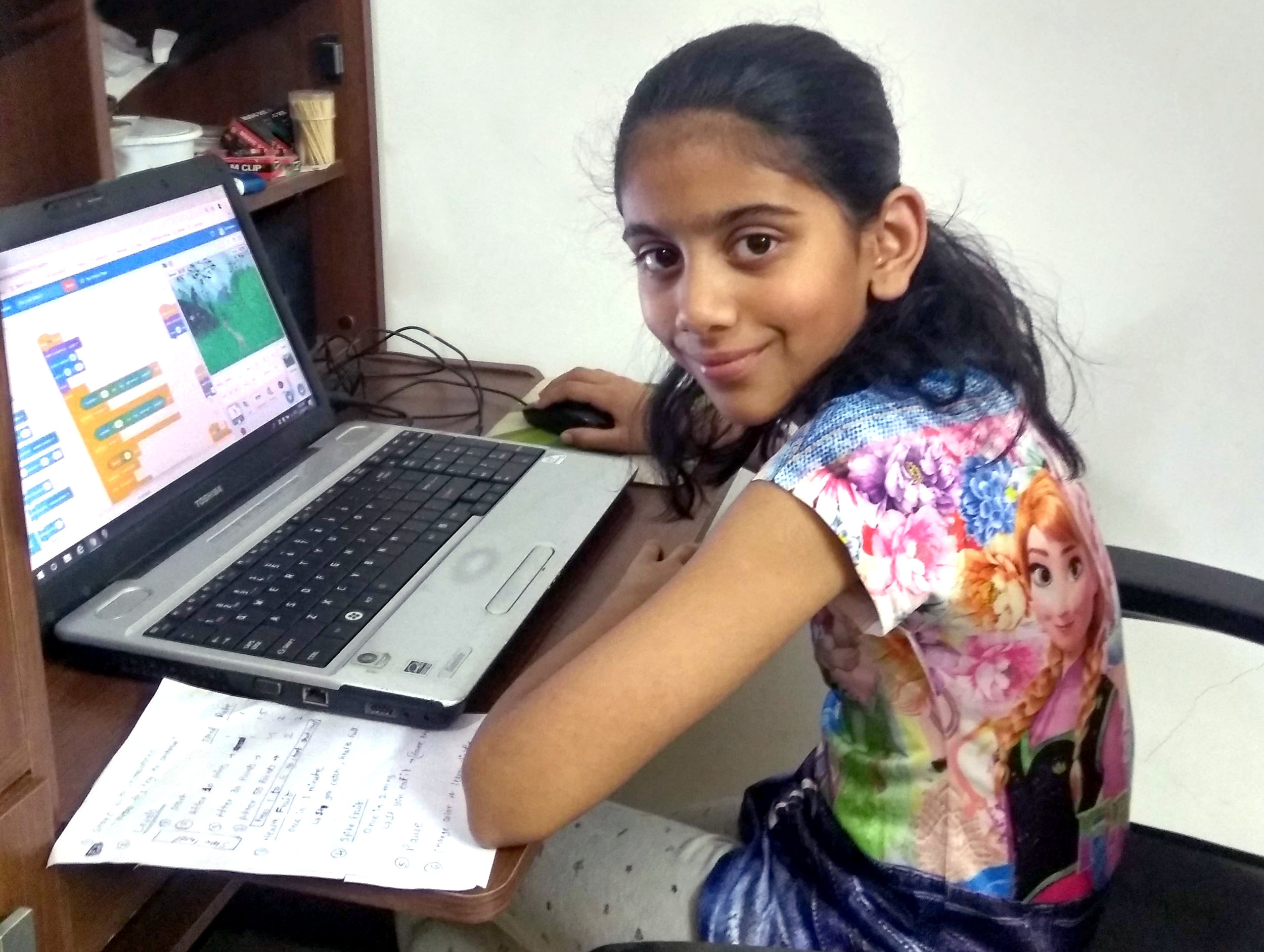 Anushka_on_computer.jpg