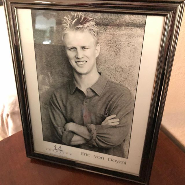 I guess we're all doing this. My mom still has this on the mantle. #oldheadshotday