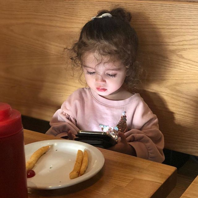 Fact: Children exposed to technology at a young age are 23% more likely to let their fries get cold. #themoreyouknow 📷: @wilkesmortgagegroup . . . . . #themoreyouknow🌈 #fry #fries #realtalk #huffposttaste #buzzfeast #🍔 #🍟 #📱