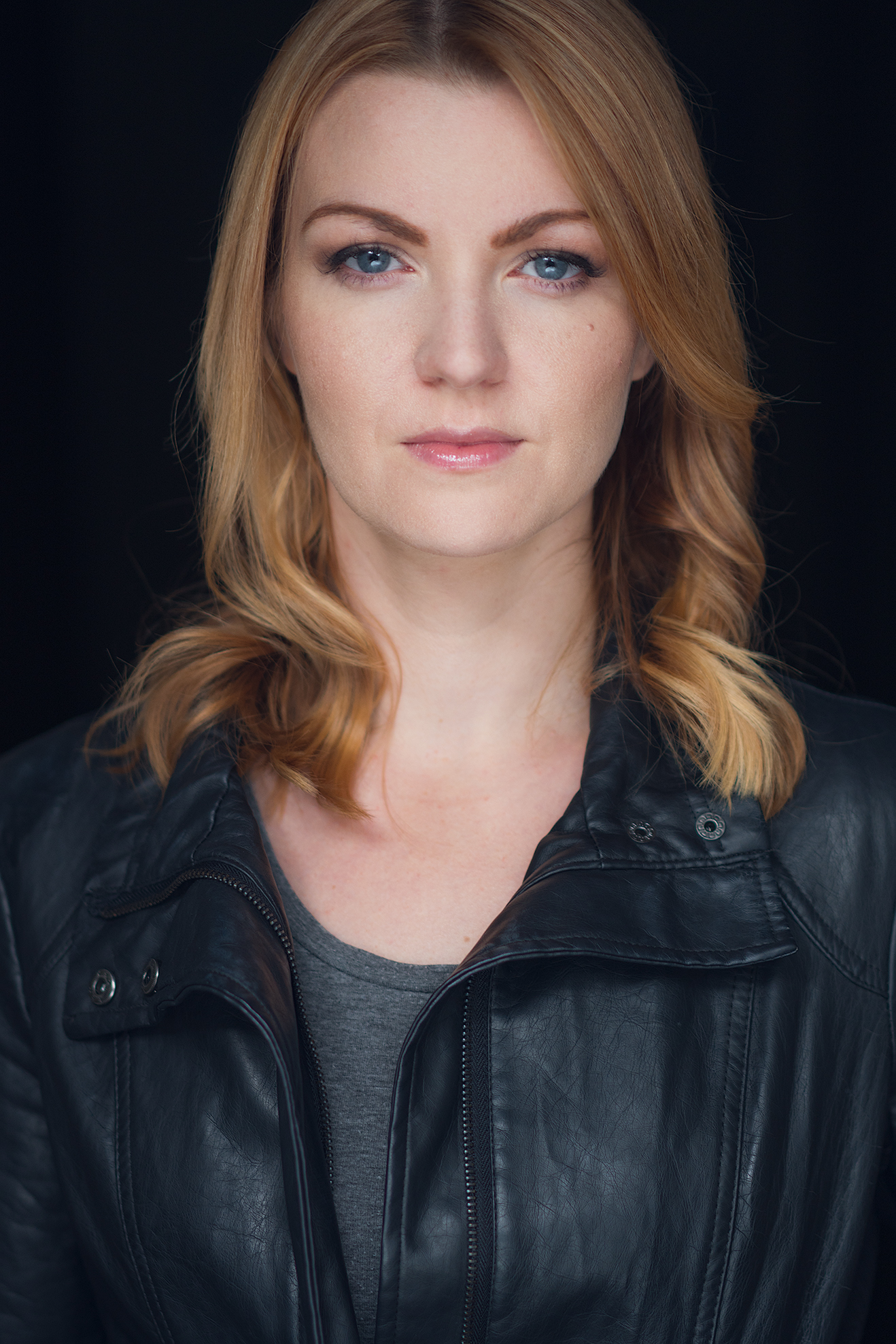 Eline Mets headshot-photo by Jordan Connor.jpg