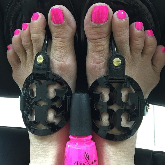 ⋅ #nails #nailswag #nailart #nail #naildesigns #nailstagram #naildesign #nailsoftheday #nailpolish #shellac #bellevueshellac #bellevuenailsalon #bellevue #nailsofinstagram