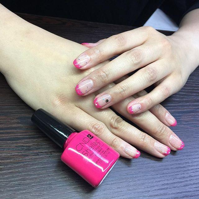 CND's Pink Bikini in Shellac formula, painted as French tips with a brush of glitter. $35 for Shellac French Manicures. ⋅ ⋅ ⋅ #nails #nailswag #nailart #nail #naildesigns #nailstagram #naildesign #nailsoftheday #nailpolish #shellac #bellevueshellac #opi #cndpinkbikini #shellacpinkbikini #bellevuenailsalon #bellevue #nailsofinstagram #mattenails