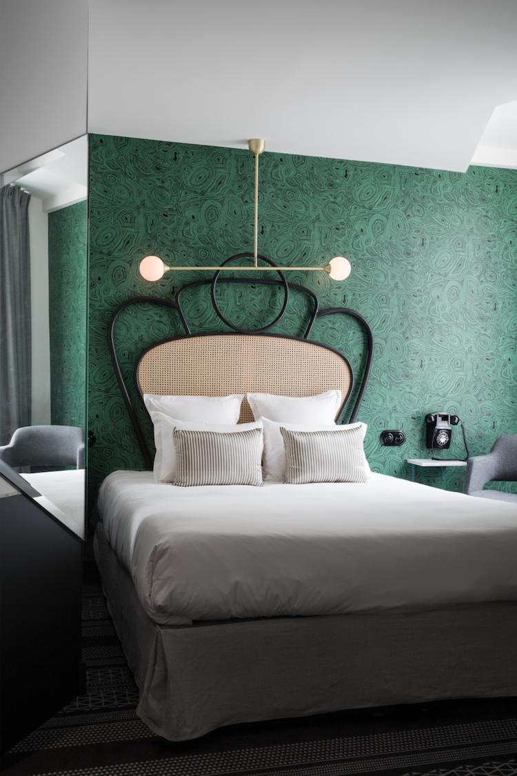 7.thedesignedit-hotelpanache-malachitepaper.png
