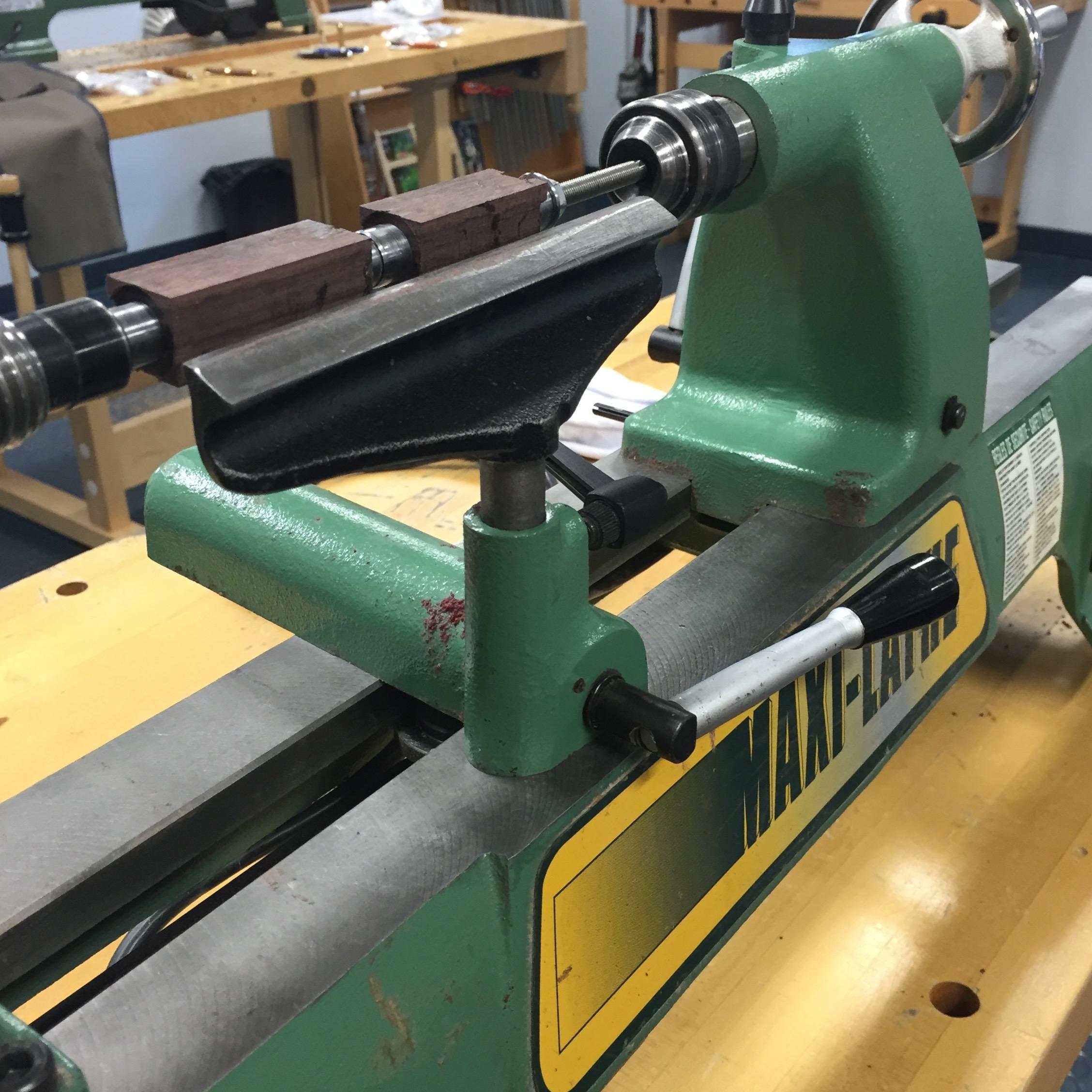DIY Pen Rosewood on lathe || via The Design Edit