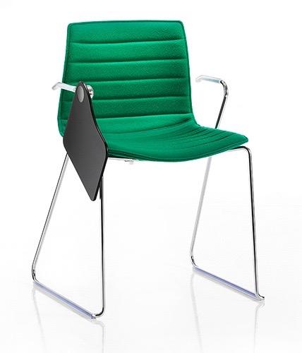 aprer_catifa_green_desk_thedesignedit.jpg