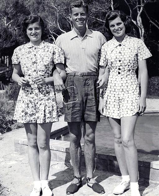 JFK in espadrilles || via The Design Edit