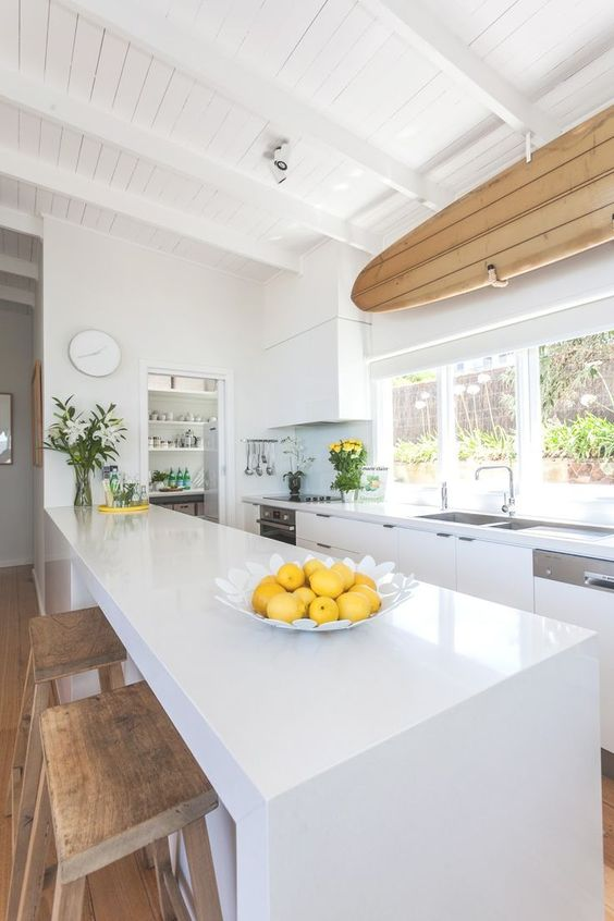 The best kitchen focal point I've seen in a while via  Coastal Style Blog .