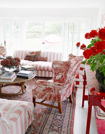 54bfd2a6ab36d_-_vintage-persian-rug-livingroom-0311-oneill04-xl.jpg