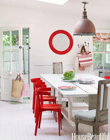 54bfd2a60b391_-_red-chair-diningroom-0311-oneill02-vtdwqp-de.jpg