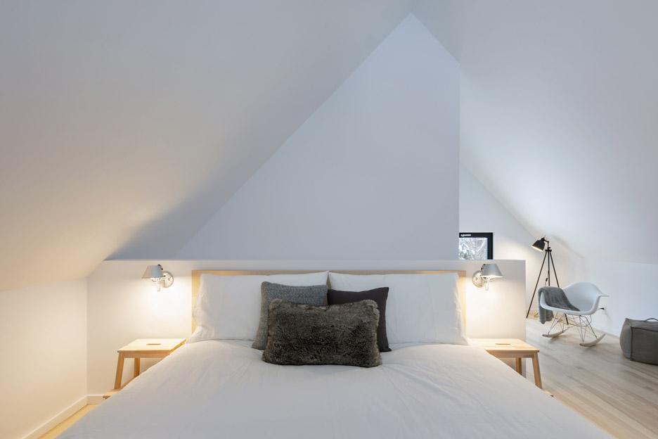 villa-boreale-cargo-architecture-residential-quebec-canada-dave-tremblay_dezeen_936_3.jpg