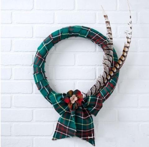 Easy DIY Tartan Wreath in Newfoundland tartan, original version, 2014.