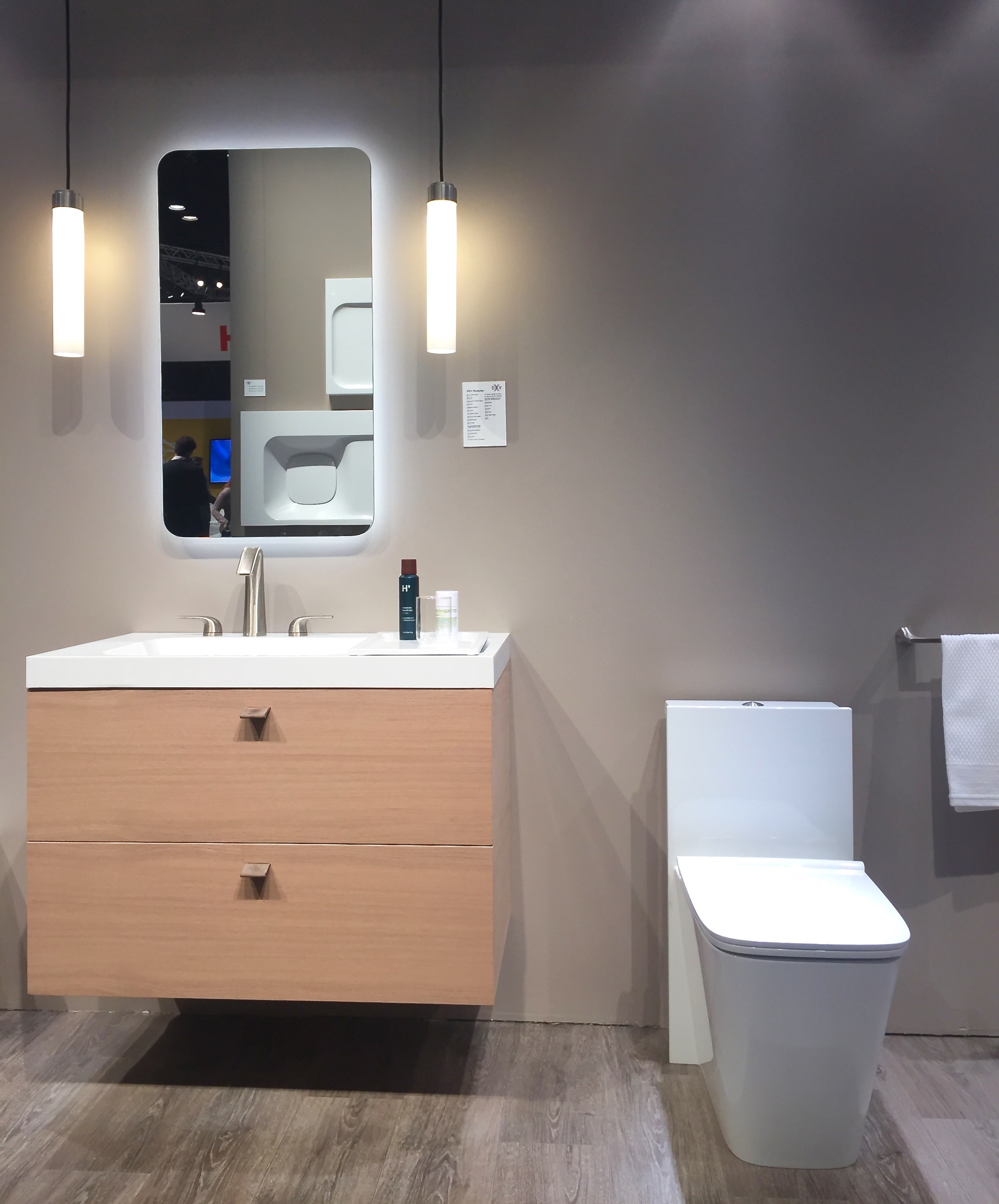 This second Modulus vignette is pretty much exactly what I'd like to do in the Austin Suite bathroom. Love the added storage capacity of this wall-mount cabinet and this very chic toilet.