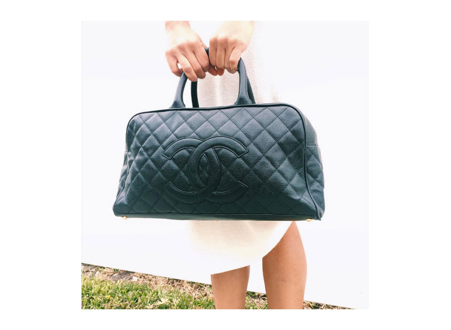 Quilted caviar leather in black.