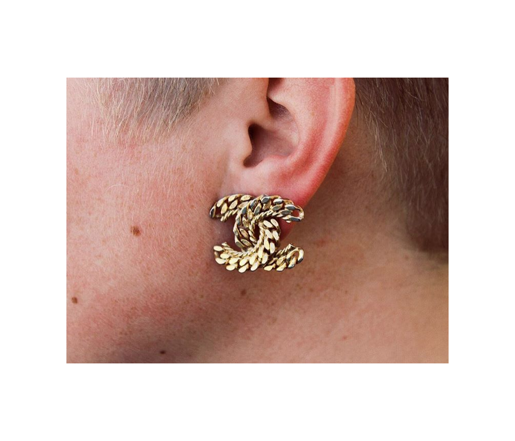 Gold chain texture earrings,  vintage Chanel .