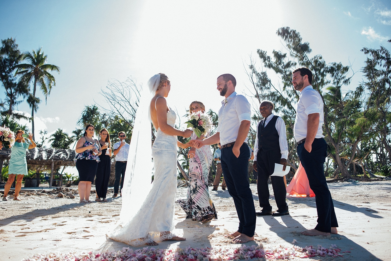 Jess&Luke-wedding-Vanuatu-Groovy-Banana_0017.jpg