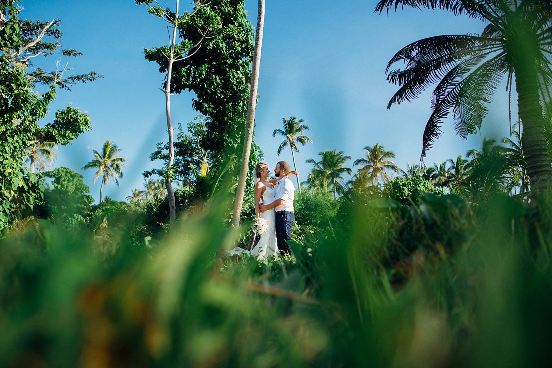 Jess&Luke-wedding-Vanuatu-Groovy-Banana_0032.jpg